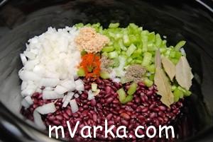 Красная фасоль с колбасой